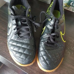 NIKE Tiempo Size 8.5 Shoes Quilt Genuine Leather